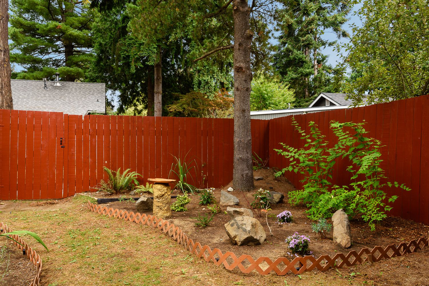 Price Reduced! Move-in ready! 10 minutes to UW & Northgate train ...